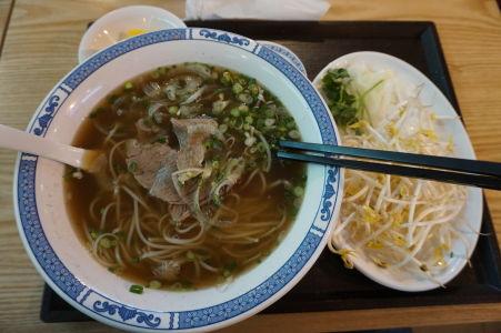 Polievka ramen - patrí skôr do itinerára japonskej kuchyne, ale v Kórei ju nájdete všade