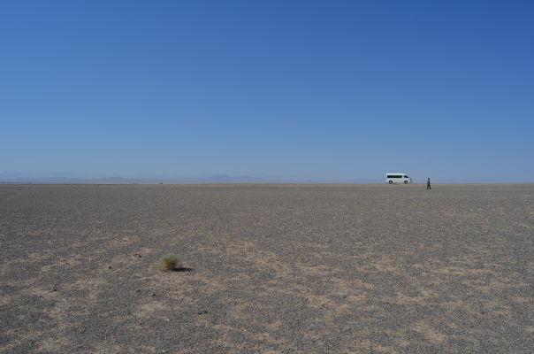 Púšť v okolí Yazdu vie byť veľmi fotogenická