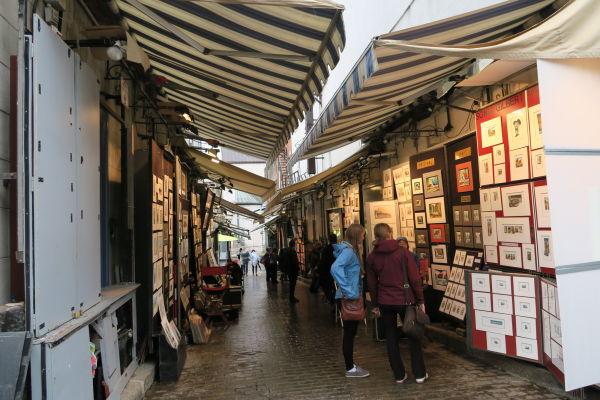 Malá tržnica v jednej z uličiek hornej časti mesta (Haute-Ville) v Québecu