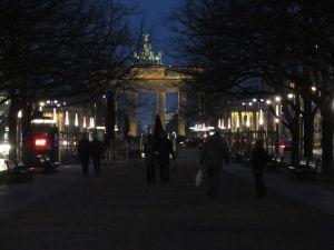 Brandenburská brána z Unter den Linden