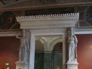 Pergamonské múzeum - Karyatidy
