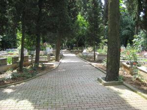 Jeden z cintorínov na ázijskej strane