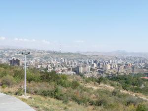 Pohľad na Jerevan z vrchu Cicernakaberd