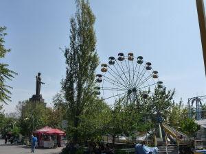 Matka Arménia a ruské kolo v Parku víťazstva