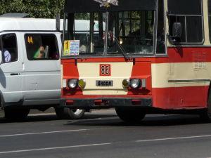 Jerevanský trolejbus... hádajte akej značky?