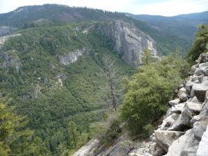 Národný park Yosemite - už cesta tam je veľmi malebná