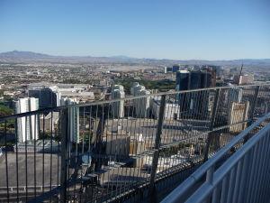 Výhľad na mesto v púšti