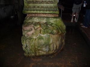 Hlava Medúzy v cisterne