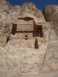 Jedna z veľkých krížových hrobiek