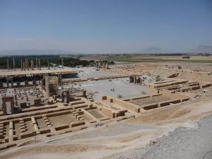 Pohľad na Persepolis od kráľovských hrobiek