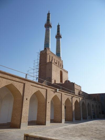 Minarety Piatkovej mešity (Masjid-e Jame) v Yazde