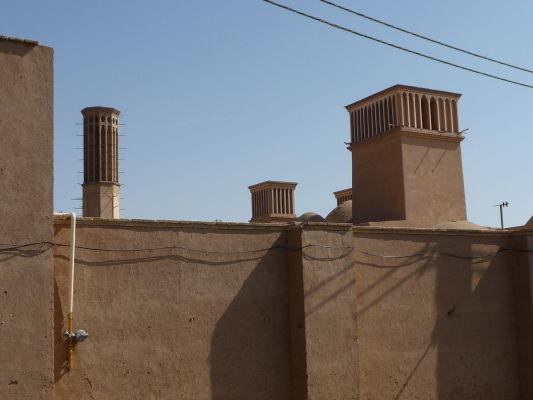 V záhrade Dolat Abad v Yazde nájdeme niekoľko chladiacich veterných veží