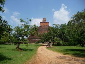Tretia najvyššia staroveká stavba - Stupa Jetavanarama