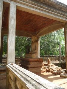 Socha Samadhi - Posvätná socha Budhu vytesaná zo žuly