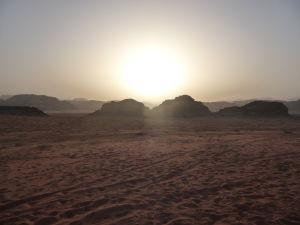 Západ Slnka v púšti Wádí Ram