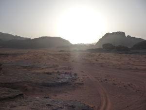 Púšť v ranných lúčoch Slnka