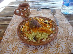 Tradičné uzbecké jedlo - plov