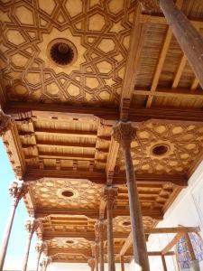 Drevená výzdoba v pevnosti Ark