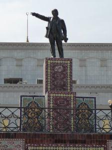 Lenin na perzských koberčekoch