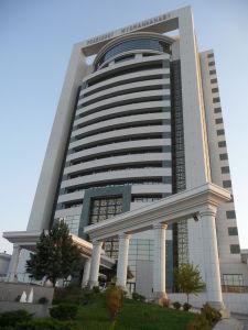 Hotel Prezident je jednou zo superluxusných stavieb, kde prevláda mramor a zlato