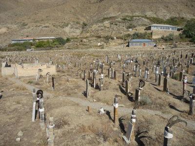 Cintorín s kozími rohami v Nohure
