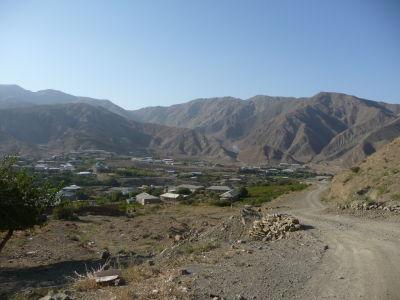 Dedinka Nohur v horách na iránskom pohraničí