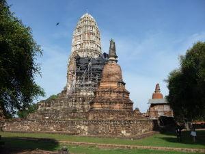 Veža (prang) chrámu Wat Racha Burana