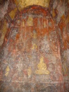 Vnútro veže chrámu Wat Racha Burana - Maľby