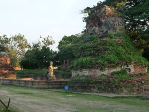 Jedna z mnohých sôch Budhu