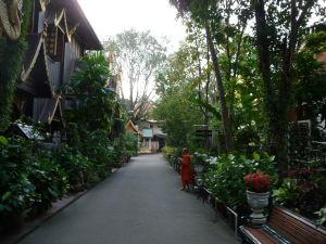 Wat Phra Kaeo - záhrada