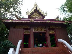 Wat Phra Kaeo - chrám ukrývajúci Smaragdového Budhu