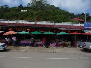 Trhy v mestečku v oblasti Mae Salong