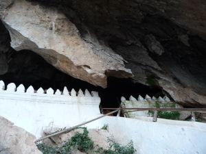 Pak Ou - Jaskyne so soškami Budhov - Vstup do hornej jaskyne