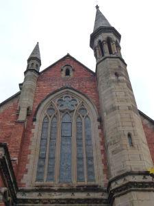 Jeden z kostolov na druhej strane prístavu