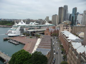 Pohľad na jedno z prístavísk v Sydney, neďaleko Opery