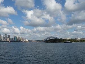 Výhľad z náprotivného brehu prístavu na Sydney