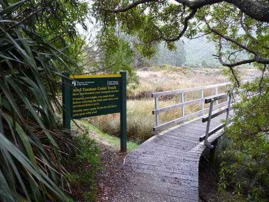 Abel Tasman NP na Novom Zélande - Vstup - Nezabudli ste zaplatiť nocľah?
