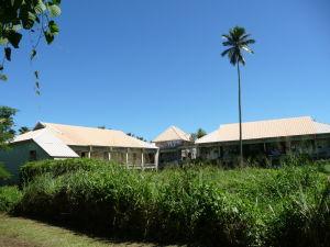 Toto mal byť najväčší a najluxusnejší hotel na Cookových ostrovoch, dnes tu stojí len chátrajúca stavba