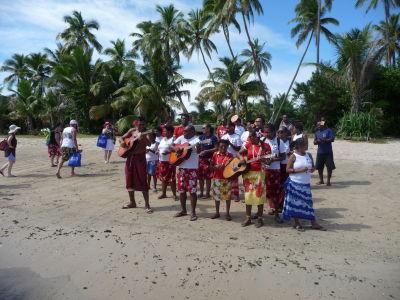 Domorodci nás vítajú na ostrove