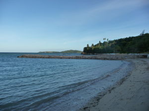 Plaž priamo pri hoteli - Nevyzerá tak lákavo ako Kokosová pláž