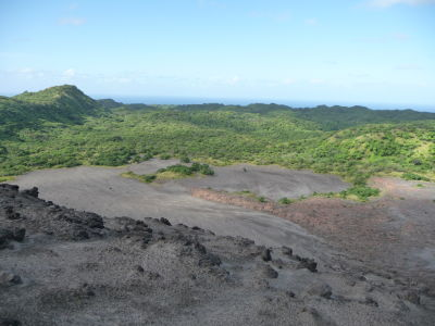 Tropická vegetácia vs. sopečný prach a popol