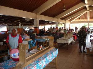 Food court na tržnici v Port Vile