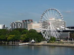 Brisbane - Pohľad na južný breh a Brisbanské koleso