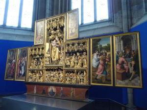 Uppsalská katedrála - Jeden z oltárov