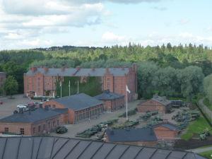 Pohľad na vojenské múzeum z pevnosti Häme
