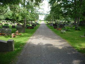 Cintorín pri Kostole sv. Kríža v Hattule
