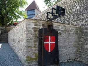 Tallinnské hradby - Znak mesta Tallinn