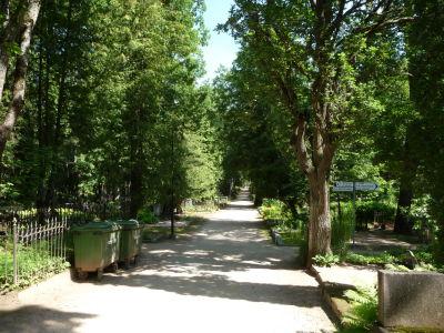 Hlavný cintorín v Tartu je pomerne veľký