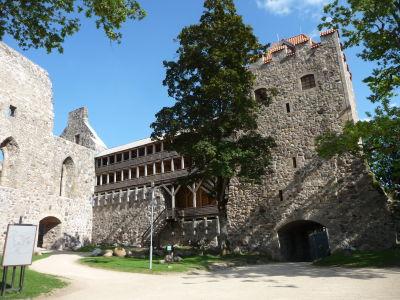 Stredoveký hrad v Sigulde