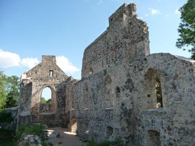 Ruiný stredovekého hradu v Sigulde